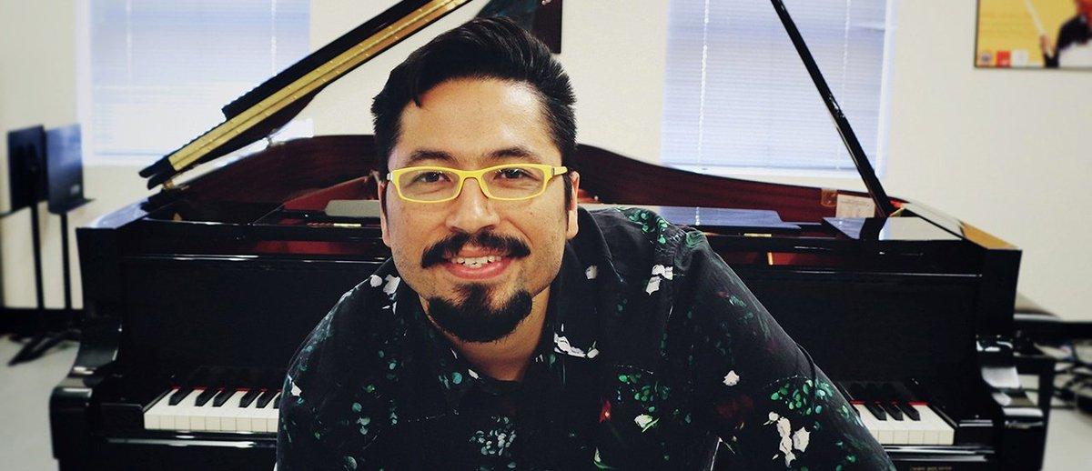 """test Twitter Media - Hoy en #SuiteRecoleta conoceremos la música del pianista, compositor y académico Orión Lion 🎹. Repasaremos parte su primer disco """"X+jazz"""", lanzado en 2006 y con un alto enfoque en el latin jazz 🎵. Escucha el programa completo -> https://t.co/hOG7DyjYOH https://t.co/GrOnMduILv"""