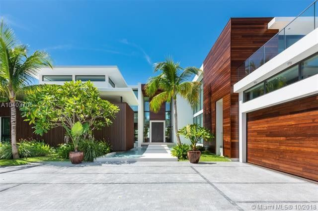 RT @trailsofsmoke: This is Lil Wayne's brand new $17 million Miami Beach mansion https://t.co/cQIcxOnBJz https://t.co/X2OhGH5wLL