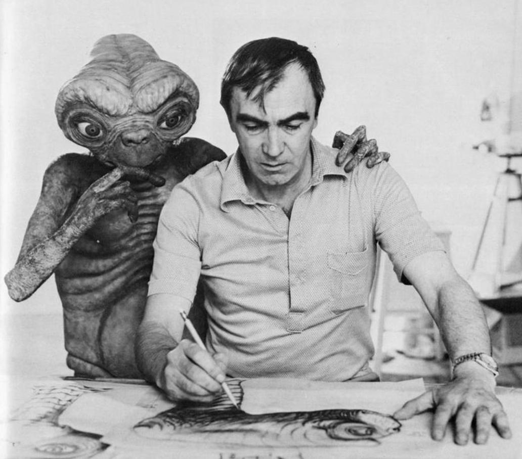 E.T. and Carlo Rambaldi, the man who designed him.  This photo makes me happy. :) https://t.co/5mVbjkHdnu