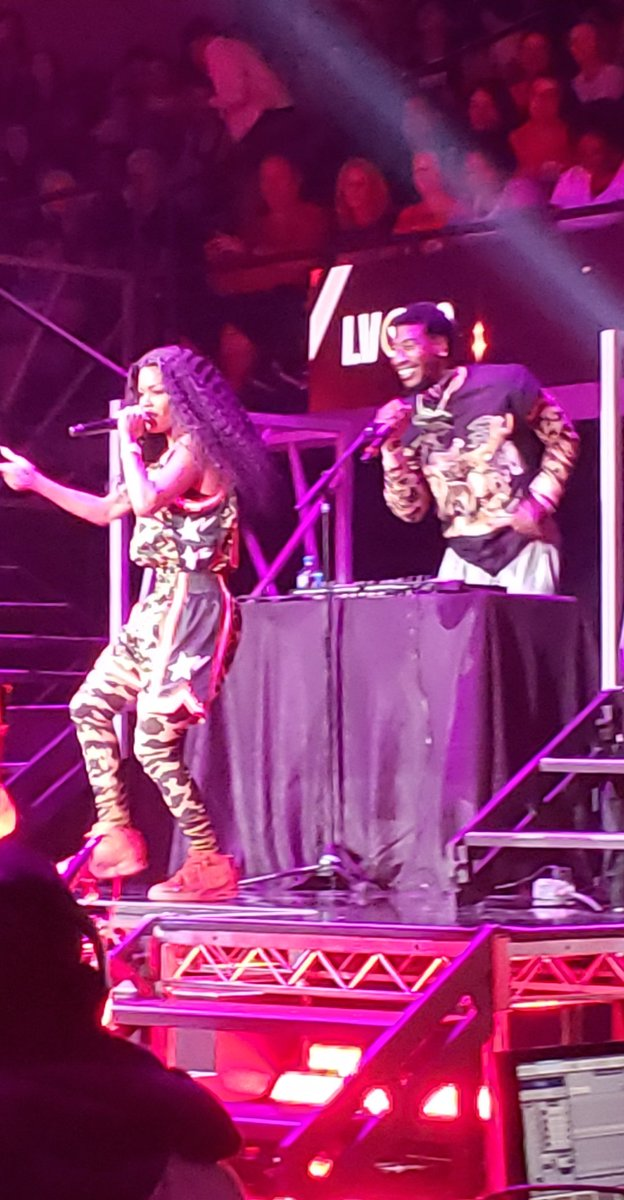 RT @TheUndefeated: Teyana Taylor just played the #WNBAAllStar halftime show with Iman Shumpert as her DJ ???????????? https://t.co/1pnhRztSM8
