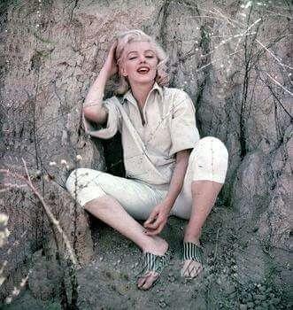 Marilyn Monroe by Milton Greene, 1953 https://t.co/J7PlvScd61