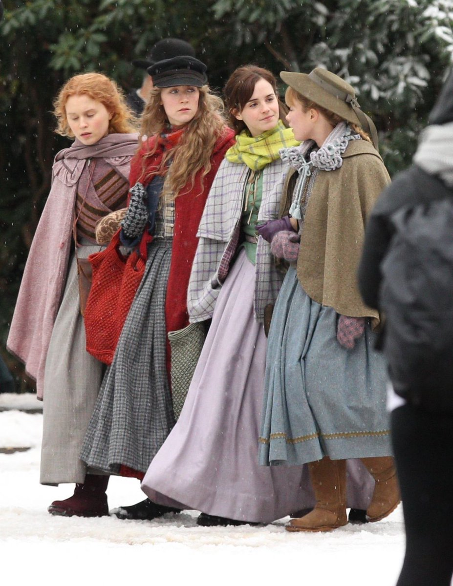 RT @hattiesoykan: it's time for hot girl summer to end so victorian girl winter can ensue https://t.co/WBhtUuef0S