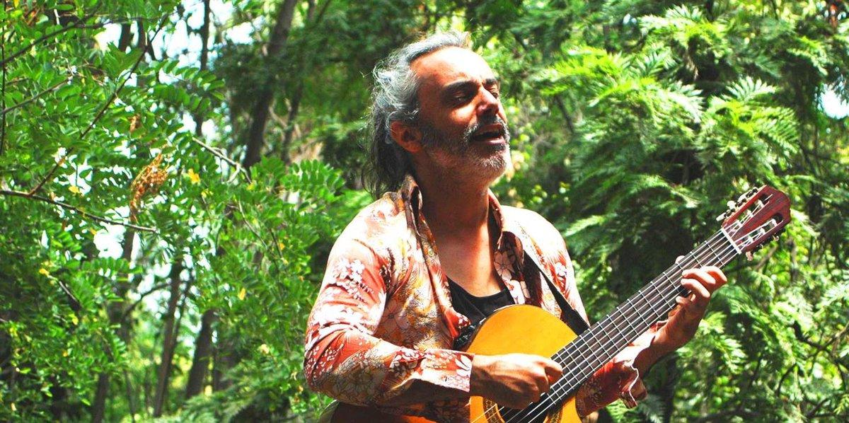 """test Twitter Media - [PODCAST] En una nueva entrega de #ViajeSinRumbo 🚀 estuvimos conversando con Niko Contador, músico y cantautor que este 2019 editó """"Al ver verás"""", su primer trabajo discográfico 💿. Conoce más de su historia, camino en la música y canciones -> https://t.co/U6pW2Q2R7N https://t.co/N3FwRm3jmi"""