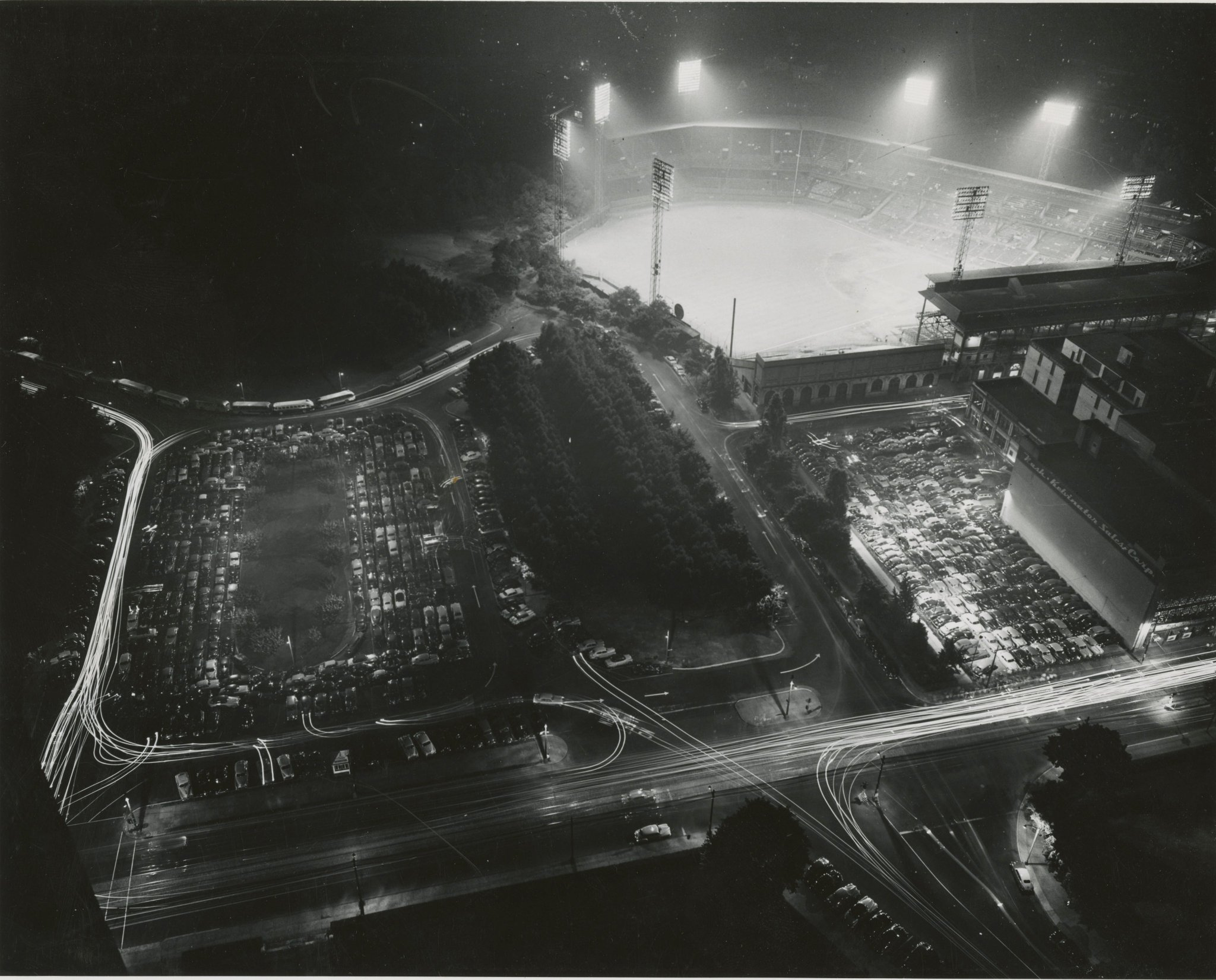 #OTD in 1946, it was first time on MLB calendar that all games were played at night (Friday), eight in total:  Forbes Field (seen here in 1949) Braves Field  Comiskey Park Yankee Stadium Crosley Field Sportsman's Park (for a Browns game, not Cardinals) Griffith Stadium Shibe Park https://t.co/uWQBQlfM1p