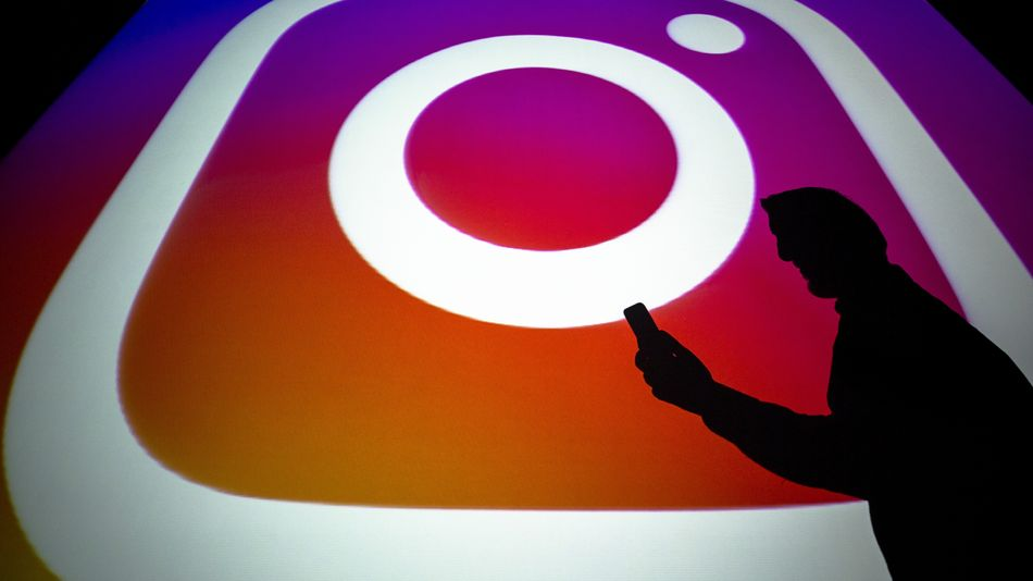 """Instagram will let users report """"false information"""""""