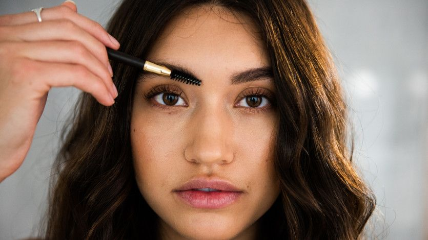 How-to beauty: diffused, fluffy brows: https://t.co/03Yl5ceAHP https://t.co/pef49aH4zs