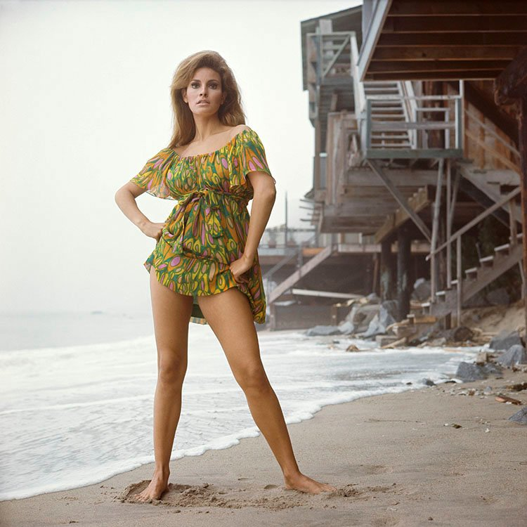 RT @Terry_ONeill: American actress #RaquelWelch at Malibu beach, late 1960s. https://t.co/K5OBUALc5i