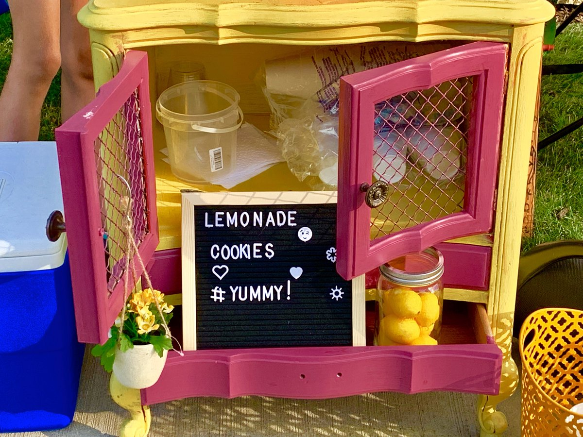 """test Twitter Media - A trio of District 30/225 sisters embraced their entrepreneurial spirit during """"the longest summer ever"""" by selling lemonade, cookies, & squishies during Northbrook's rush hour. They even painted the cabinet they're using to display their products! #d30learns https://t.co/KGIYUJnlfu"""