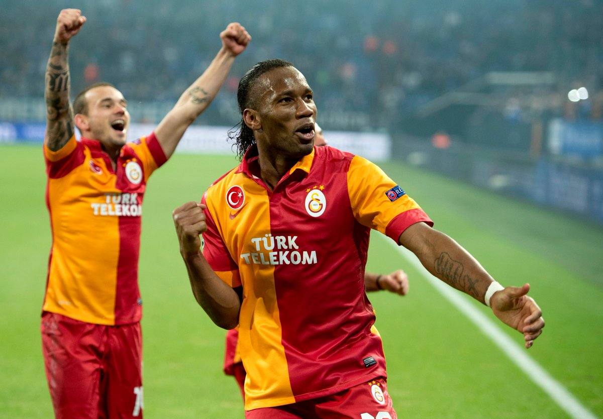 RT @ChampionsLeague: 💛 Didier Drogba ❤️ Wesley Sneijder  #UCL   #FlashbackFriday https://t.co/w6Se0j6EET