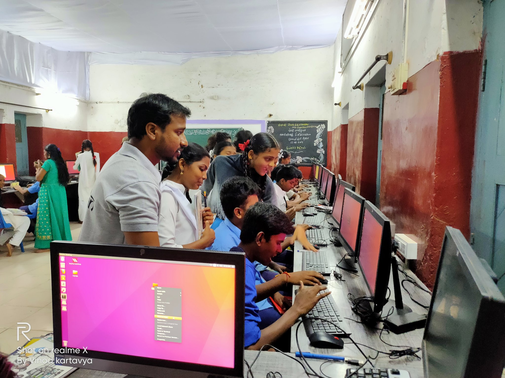 "#Government #School - #5 3rd year of ""#DIGITAL #SHIKSHAN"" at #ShivajiNagar Telugu medium Government High school, #Bengaluru. #Volunteers teach Basic Computers to government school kids. Session - 5 @PMOIndia @HMOIndia @CMofKarnataka @Infosys_nmurthy @timesofindia https://t.co/tCaYRFNODb"