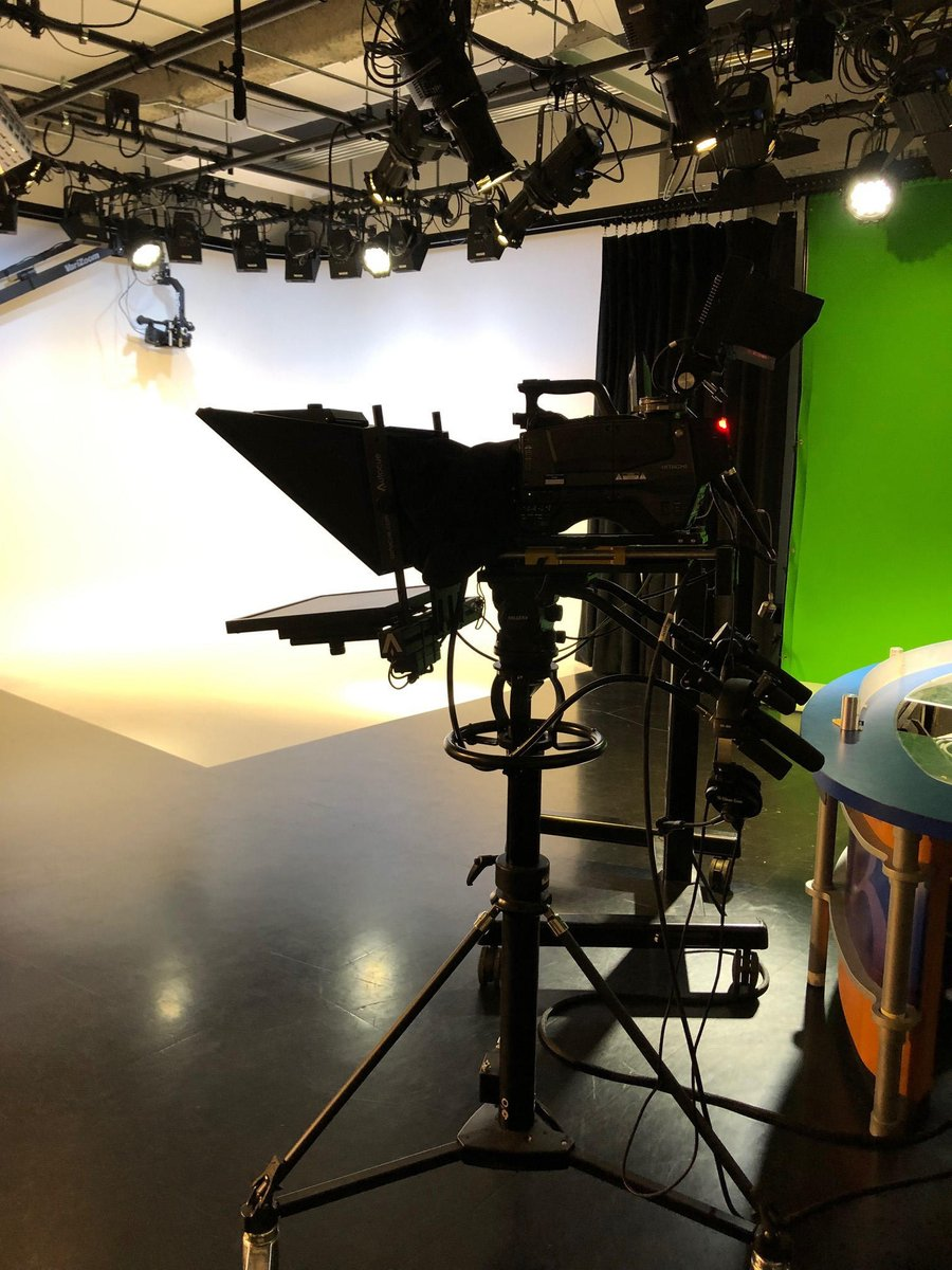 test Twitter Media - This fall we're introducing a NEW Graduate Liberal Studies acting course – held in @MxCC_CT's state-of-the-art Broadcast-Cinema Studio.   New students welcome, enroll now! Classes begin September 9.  Learn more & register: https://t.co/LTJpeWQ3Fu https://t.co/XNHY16hnHc