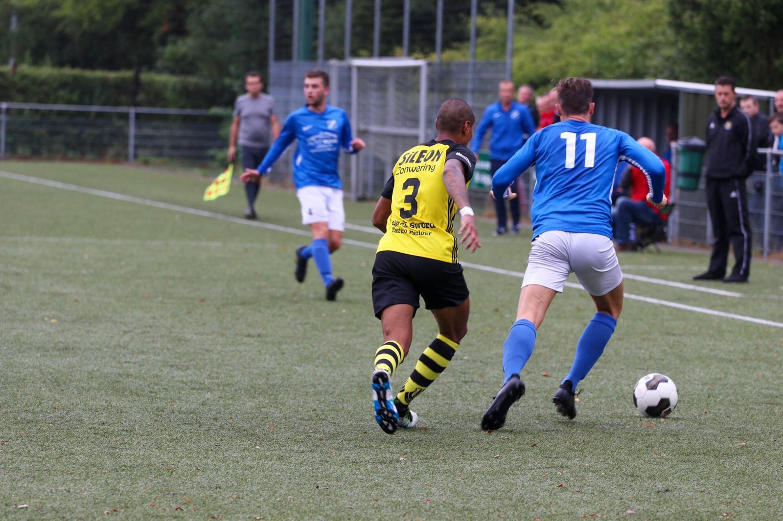 ⚽️ | AGOVV heeft gisteren de eerste wedstrijd op de Apeldoorn Cup verloren. Tegen Columbia werd het 5-0.   🔜 Dinsdag om 19.00 uur speelt AGOVV vs Alexandria (locatie CSV Apeldoorn) https://t.co/1YyjDwSBjS