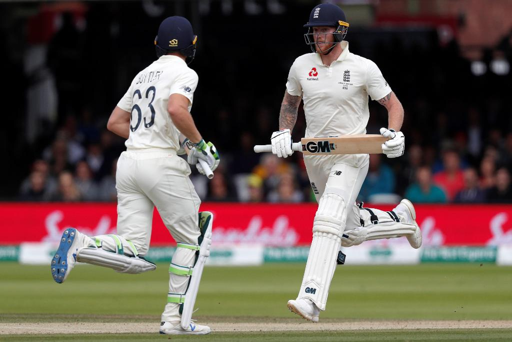 England go into Lunch 157/4.  Ben Stokes and Jos Buttler have added 86 for the fifth wicket so far!  #Ashes https://t.co/1gtNQ0DXpl