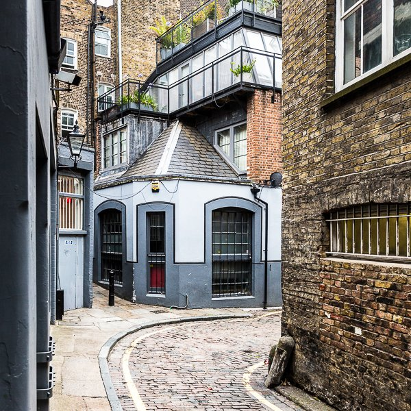 How to choose the best area to stay in London for your personal style: https://t.co/sJpDK2Yp6l ❤️ https://t.co/pLHh0DUmX8