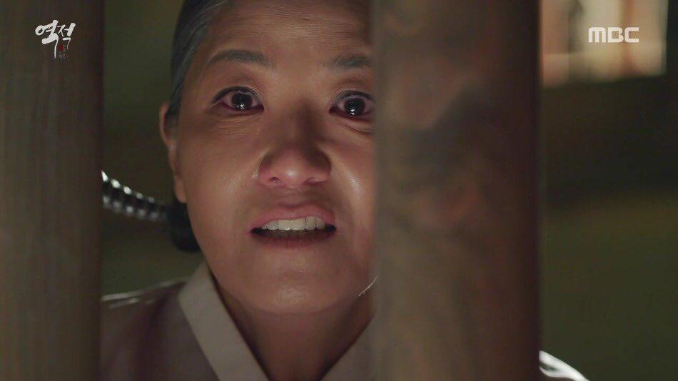 test ツイッターメディア - 逆賊でスハクの母親役だったソイスクさんって、そういえば奇皇后で最後の方にタファンにヤンの秘密チクって刺殺されたタナシルリ付きの女官だったよねw 両方とも悪役で演技上手すぎ!迫力ありすぎて恐怖😱 https://t.co/YgKzpD91hc