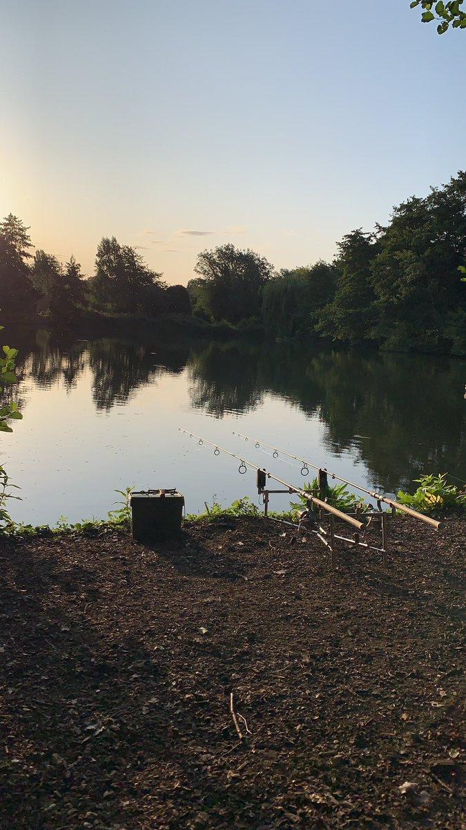 Lovely morning to wake up bankside! No carp but not complaining! #carpfishing https://t.co/iYC6soIfm