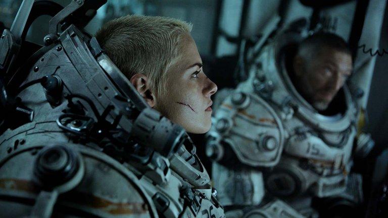 Kristen Stewart fights off subterranean monster in 'Underwater' trailer