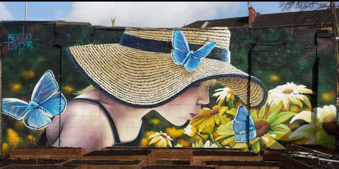 ... like beauty and lightness. Art by Rogue One in Glasgow #streetart #art #graffiti #mural #urbanart #Beauty #butterfly #flowers https://t.co/nBD4RqxBOP