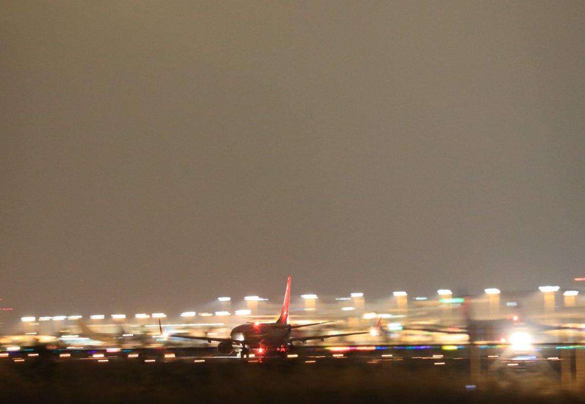 test ツイッターメディア - 本日久しぶりの休みに昼まで爆睡  午後から待望の成田空港へ  順番逆ですが、  帰り際の夜の成田空港です https://t.co/K5A7YtLhL8
