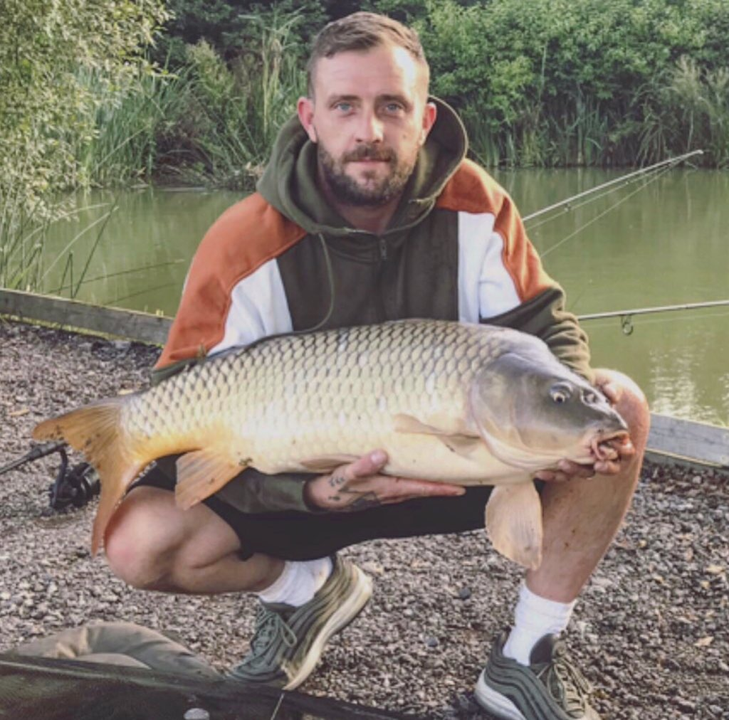 Not a bad little number, 32lb Common I'll have that 😊 #Carpfishing 🎣 https://t.co/DX0T2RIlyy