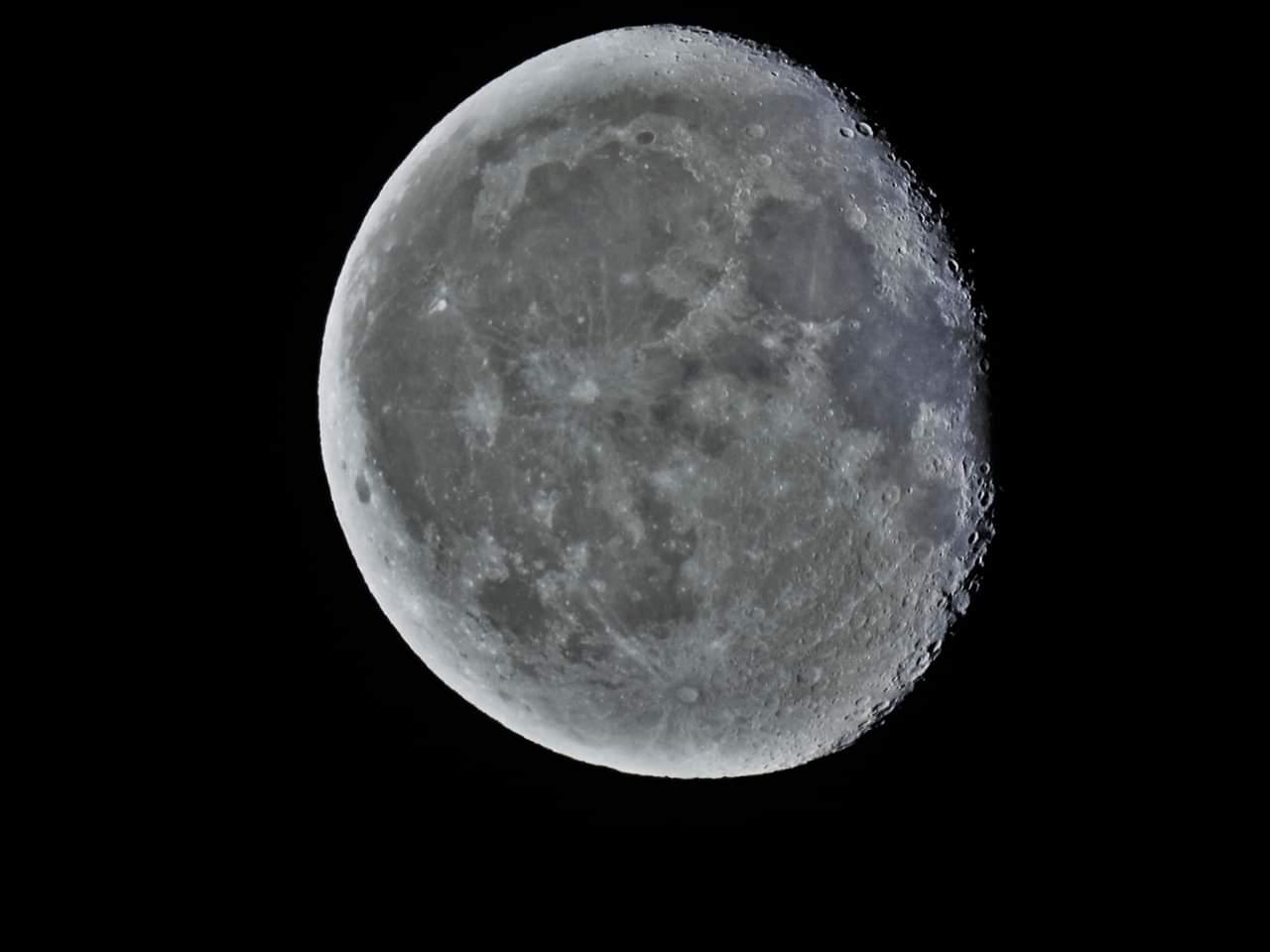 RT @Jordiporta8: La nit a Vilanova d'Escornalbou, la Lluna amb bandes de altocumuls, anticoant-se al front que s'acosta i que ens ha cobert el cel  amb algunas roines matinals #vilanovadescornalbou #324eltemps @AstroAventura @El_Universo_Hoy https://t.co/kVKPzRvCQ9
