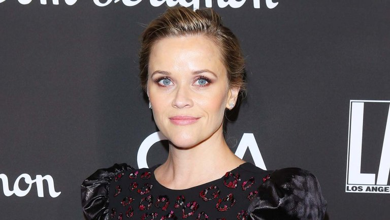 Reese Witherspoon (@ReeseW) sets home-organizing series at