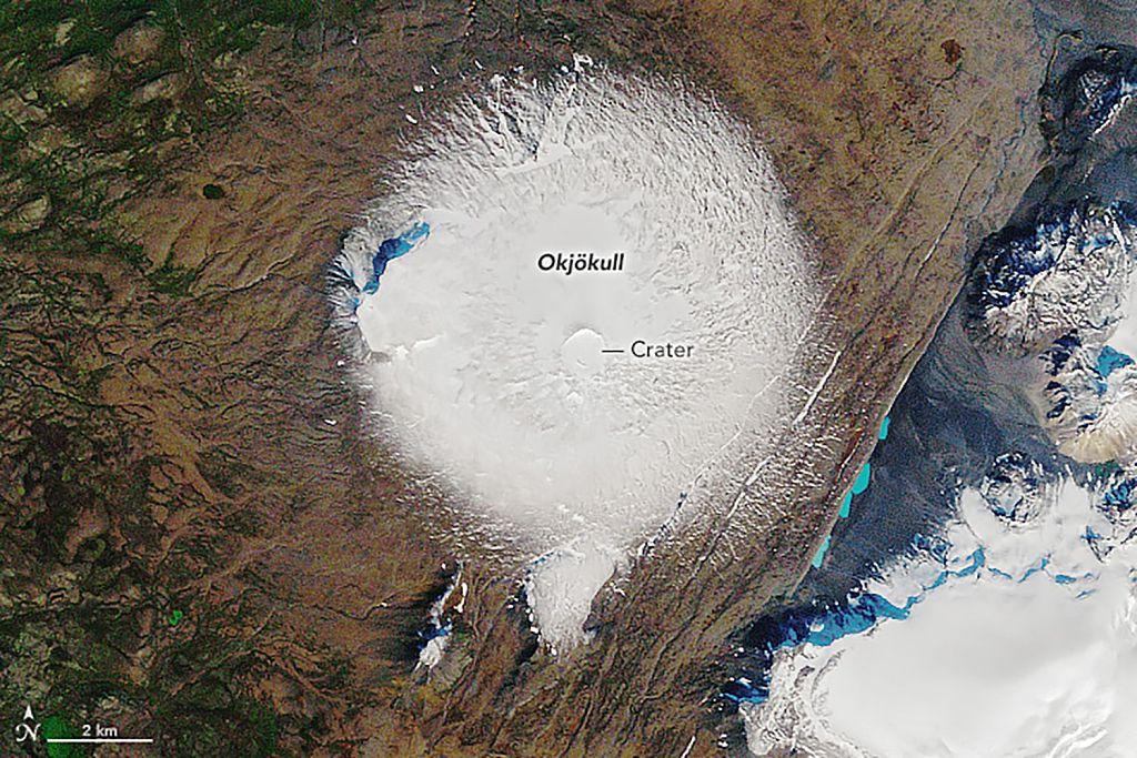 """test Twitter Media - La #NASA lanzó dos fotos satelitales tomadas el 7 de septiembre de 1986 y el 1 de agosto de 2019 que muestran la diferencia en la vista superior del glaciar #Okjökull en #Islandia. Como dijo el Primer Ministro de Islandia: """"El hielo se está yendo"""". https://t.co/eJ67mS3na0"""