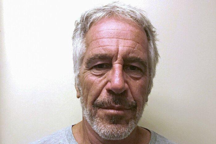 test Twitter Media - Fængselsdirektør degraderet efter milliardærs selvmord https://t.co/JSfBaV7j3J https://t.co/MTzDMC3vRG