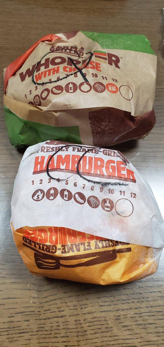 test ツイッターメディア - PJSドン勝賞で当たった無料券の期限近くて初めてのバーガーキング! 油っぽさ無くて食べやすくて美味い! ワッパーなども頼んだら、某大手より癖がないチーズにジューシーさが本当に美味かったです(^ω^)  season3でのRascal Jesterドン勝に感謝🙏  @PUBG_DMM @BURGERKINGJAPAN @RascalJester https://t.co/70ToO0j0fO