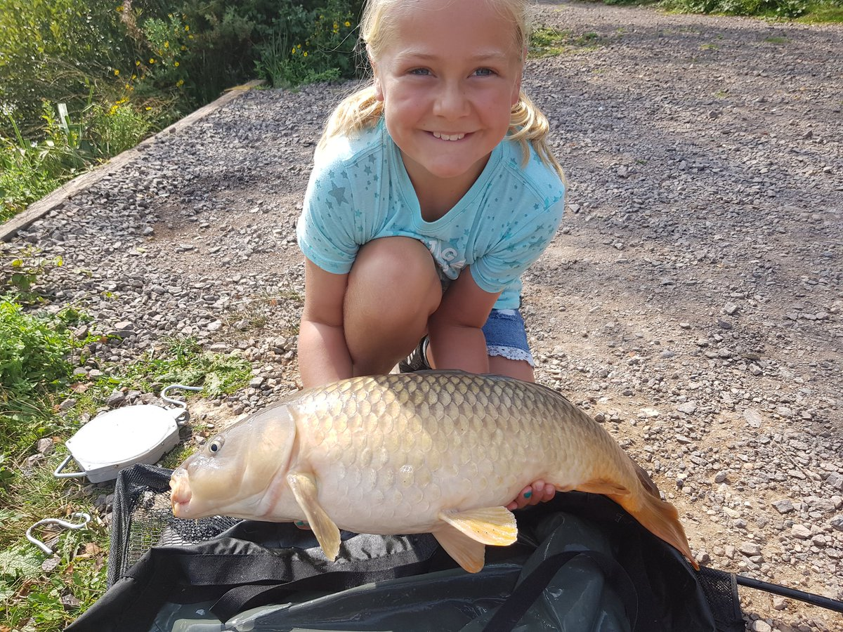 Another successful fishing trip with my daughter <b>Today</b> #carpfishing https://t.co/kcqM995Dz0