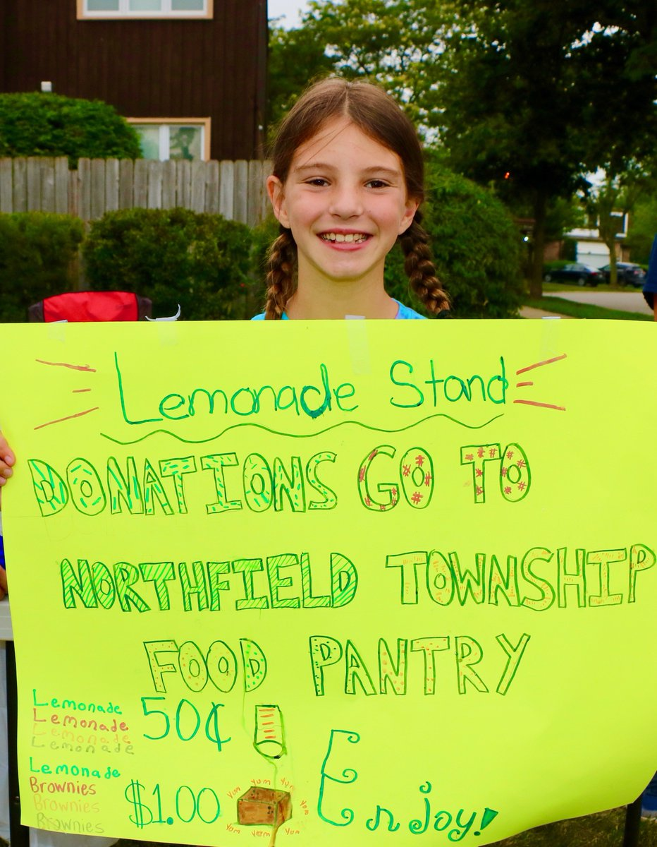 test Twitter Media - D30's new teachers' bus tour ends on sweet note at Willowbrook students' lemonade stand! Donations will go to Northfield Food Pantry. #d30learns  #backtoschooltraditions #newteacherbustour https://t.co/djq2B8Vf2Y