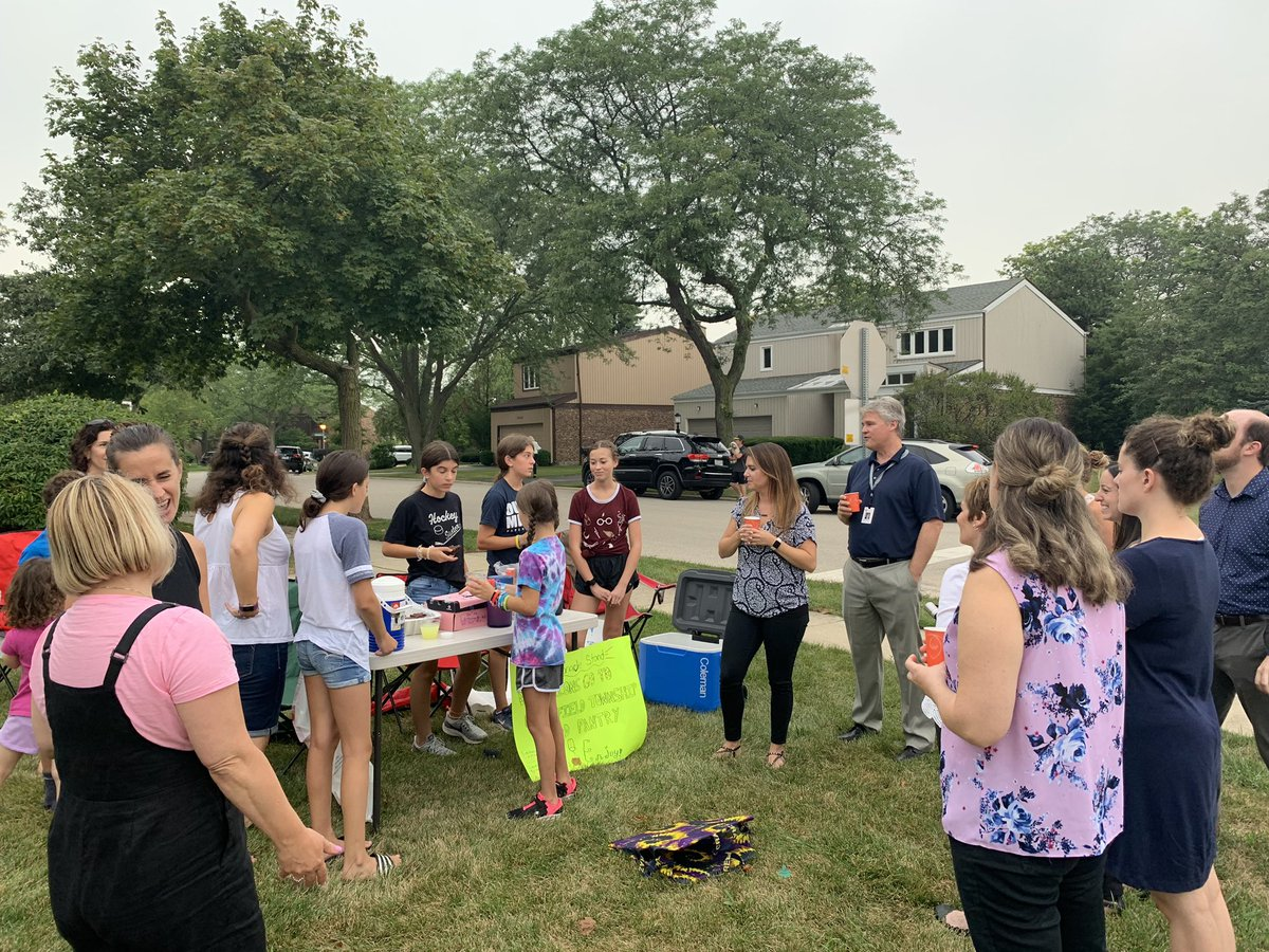 test Twitter Media - Welcome to our new teachers and thanks for the lemonade stop - so glad we got it in before the rain! #d30learns https://t.co/9qLXhPbAMk
