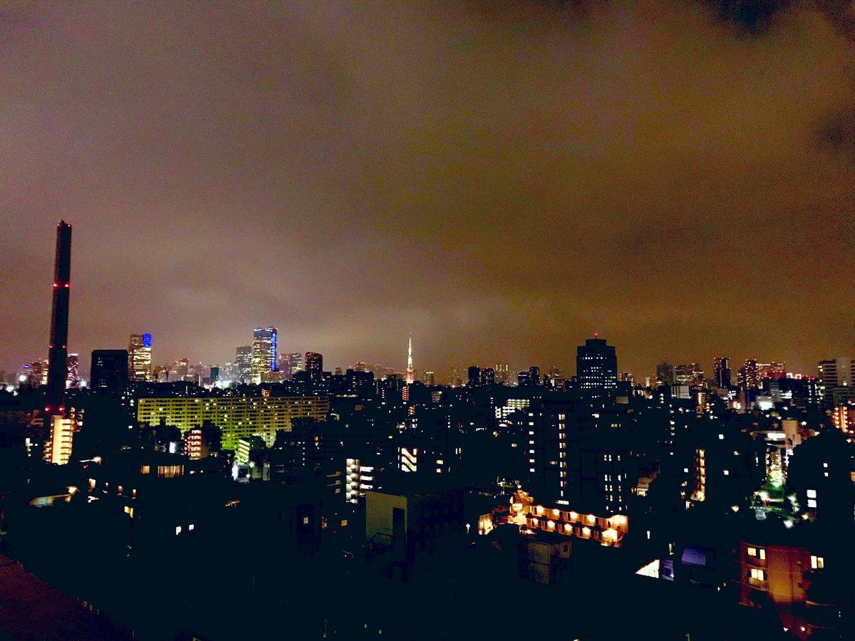 test ツイッターメディア - タクシーを拾い 行先告げて目を閉じ 私の存在はこの国で誰も知らない そのくらい時々孤独を感じる夜は一番あなたの声を聞きたいと思う時でしょう (LOVE BRACE/華原朋美)  この曲は異国の地でのことを歌っているとずっと思っていたが、東京タワーを眺めていたらこれは東京のことなんだなと気付いた。 https://t.co/yYxO6YDMVe