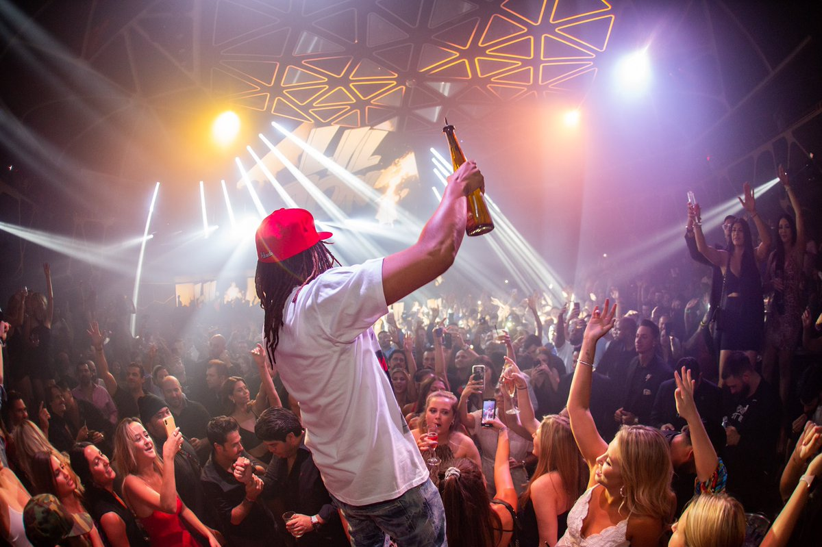 test Twitter Media - Spend your Friday night on the dance floor tonight August 23rd with @LilJon! #AboutLastNightHK Tickets: https://t.co/vJQrswo9Je Bottle Service: https://t.co/ATOPXMytZk https://t.co/lMiMQYcJbe