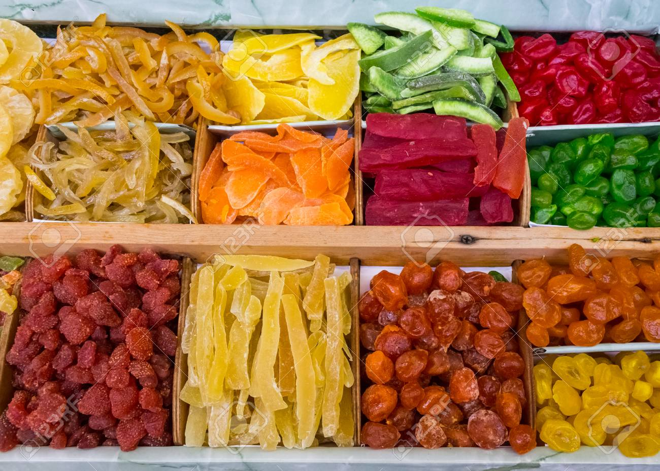 Dried fruit is much higher in sugar & calories than fresh fruit.   Dried fruit has been given a #health halo that encourages eating of this 'candy.'  During drying, the sugars in the fruit become concentrated & additional sugar may be added during processing.  #occasionaltreat https://t.co/YoudknrCTn