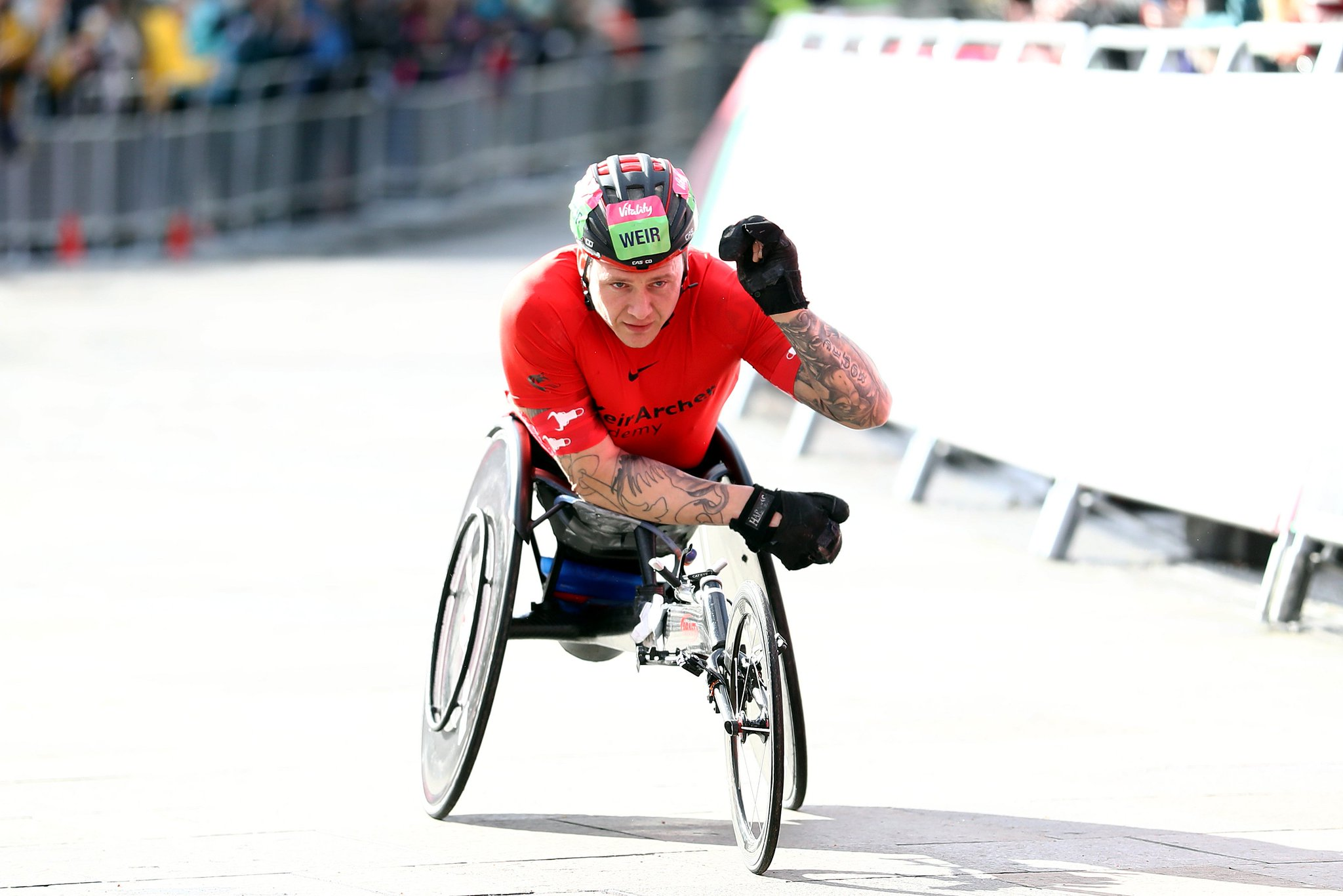 It's an EIGHTH @Great_Run wheelchair title for @davidweir2012 🇬🇧  He raced away from Canadian Brent Lakatos to cross the line first in South Shields 🏆  #GNR19 https://t.co/8H4SJ2UMdY
