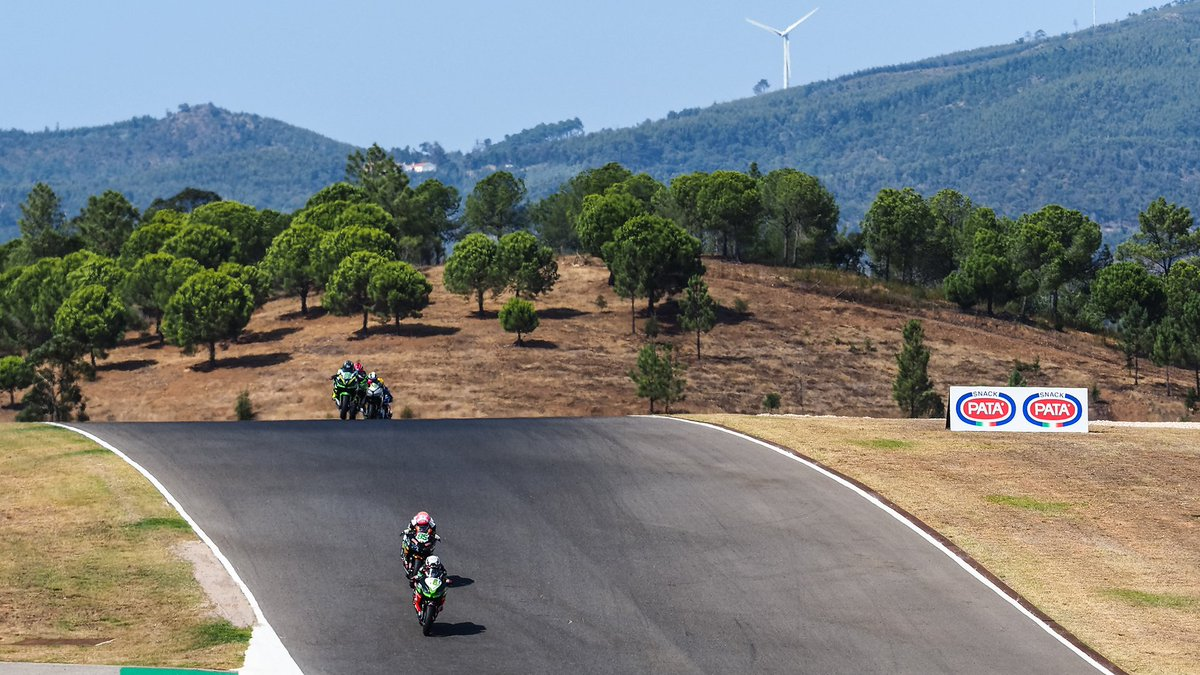 test Twitter Media - WATCH: #WorldSSP300 title race stays alive in thrilling Portuguese shoot-out!  #PRTWorldSBK🇵🇹  📹VIDEO | #WorldSBK  https://t.co/EXBpVVSnjV https://t.co/7UlK5zQ8IV