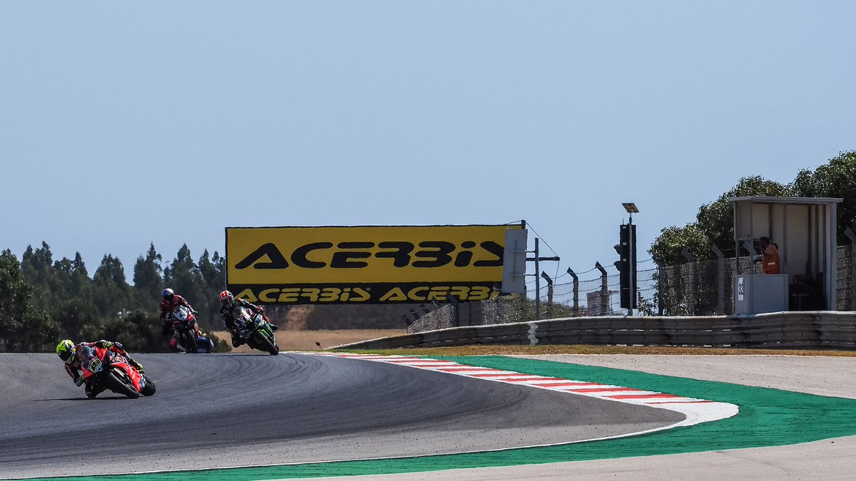test Twitter Media - 😮Watch how just 0.111 separated the top two in the championship at Portimao!  @jonathanrea & @19Bautista  #PRTWorldSBK🇵🇹  📹FREE VIDEO | #WorldSBK  https://t.co/9sf9ridxcL https://t.co/LKZjYFLSZZ