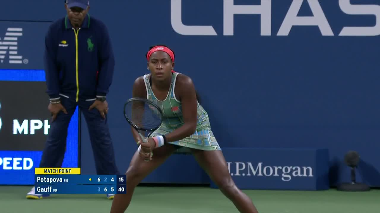 3-6, 6-2, 6-4 💪💪  In a teenage battle in Louis Armstrong Stadium, @CocoGauff prevails in a R1 thriller!  #USOpen https://t.co/xMptK0QcBM
