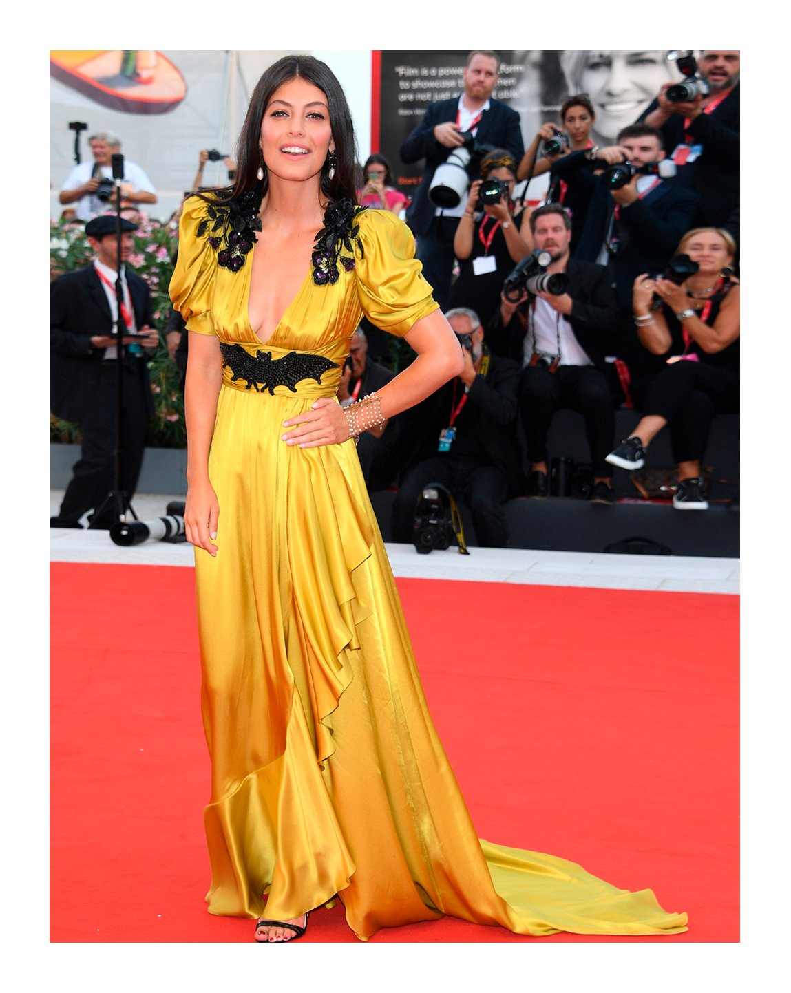 To the screening of 'Marriage Story' during the 76th Venice Film Festival, #AlessandraMastronardi wore a silk V-neck embroidered gown with asymmetric ruffle detail and leather high heel sandals from #GucciSS19 by #AlessandroMichele. #GucciJewelry #Venezia76 @labiennale https://t.co/6EwclqMpWO