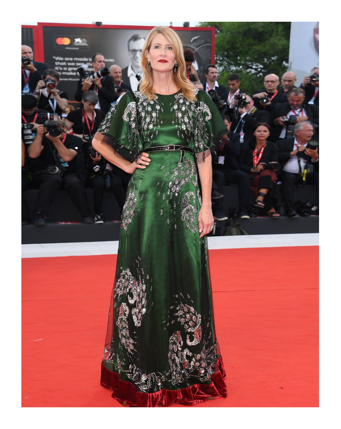 To the 76th Venice Film Festival, @LauraDern attended the premiere of 'Marriage Story' in a silk gown with sequin and crystal embroidered trompe l'oeil belt and floral appliqués from #GucciCruise19 by #AlessandroMichele. #BiennaleCinema2019 #Venezia76 @la_Biennale #LauraDern https://t.co/qpQG8ILEdf