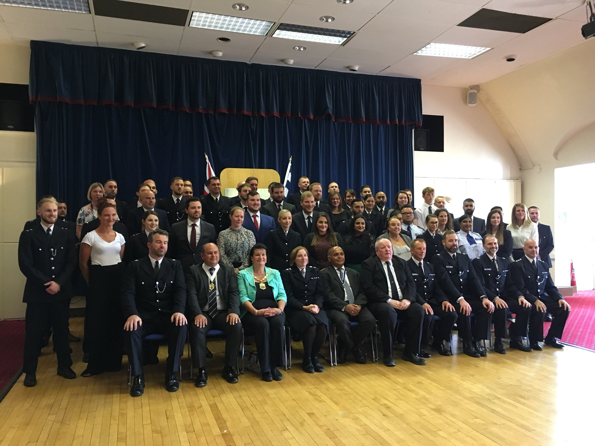 That's it from us at the #SouthWestBCU commendation ceremony this morning. We hope you enjoyed hearing the stories of extreme heroism, compassion & dedication we have commended here today. We are so proud of our officers and their commitment to keeping Londoners safe 💙 https://t.co/mBPoY6WWhg