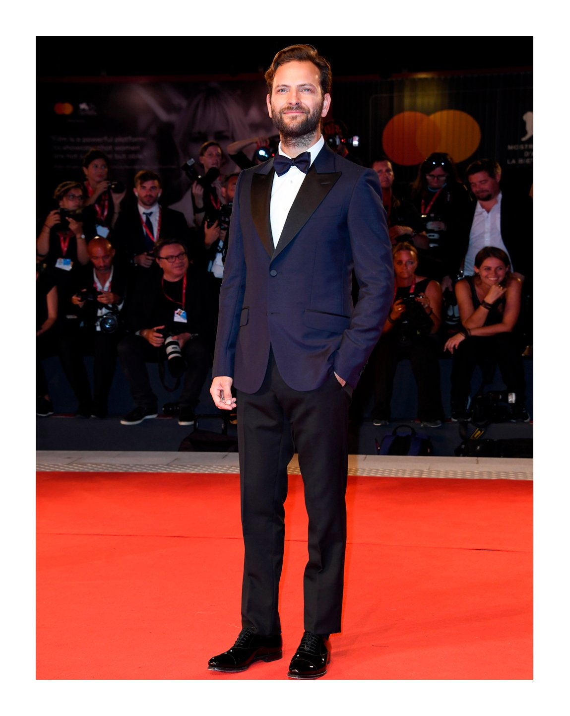 .@AleBorghi_ attended the screening of 'Wasp Network' during the 76th Venice Film Festival wearing a Heritage tuxedo, evening shirt, grosgrain bow tie and leather lace-ups from #GucciPreFall19 by #AlessandroMichele. #BiennaleCinema2019 #Venezia76 @la_Biennale https://t.co/heuuEQIWE4