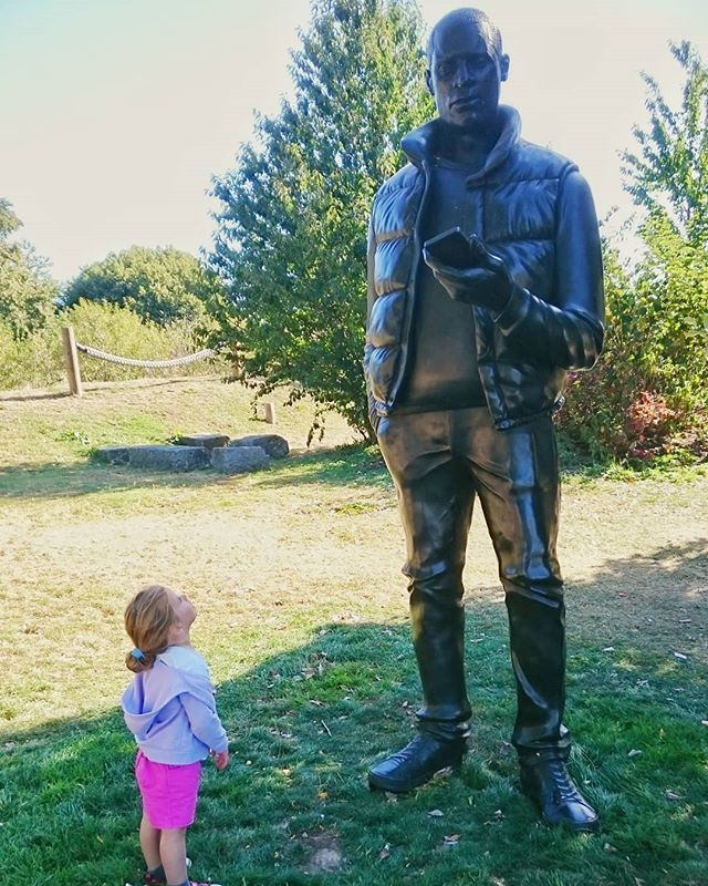 test Twitter Media - Big vs small. #sculpture #toddler #largerthanlife #curiosity #network #thomasjprice #9feethigh https://t.co/MnYwpPIUTN https://t.co/PA9xLIWJcA