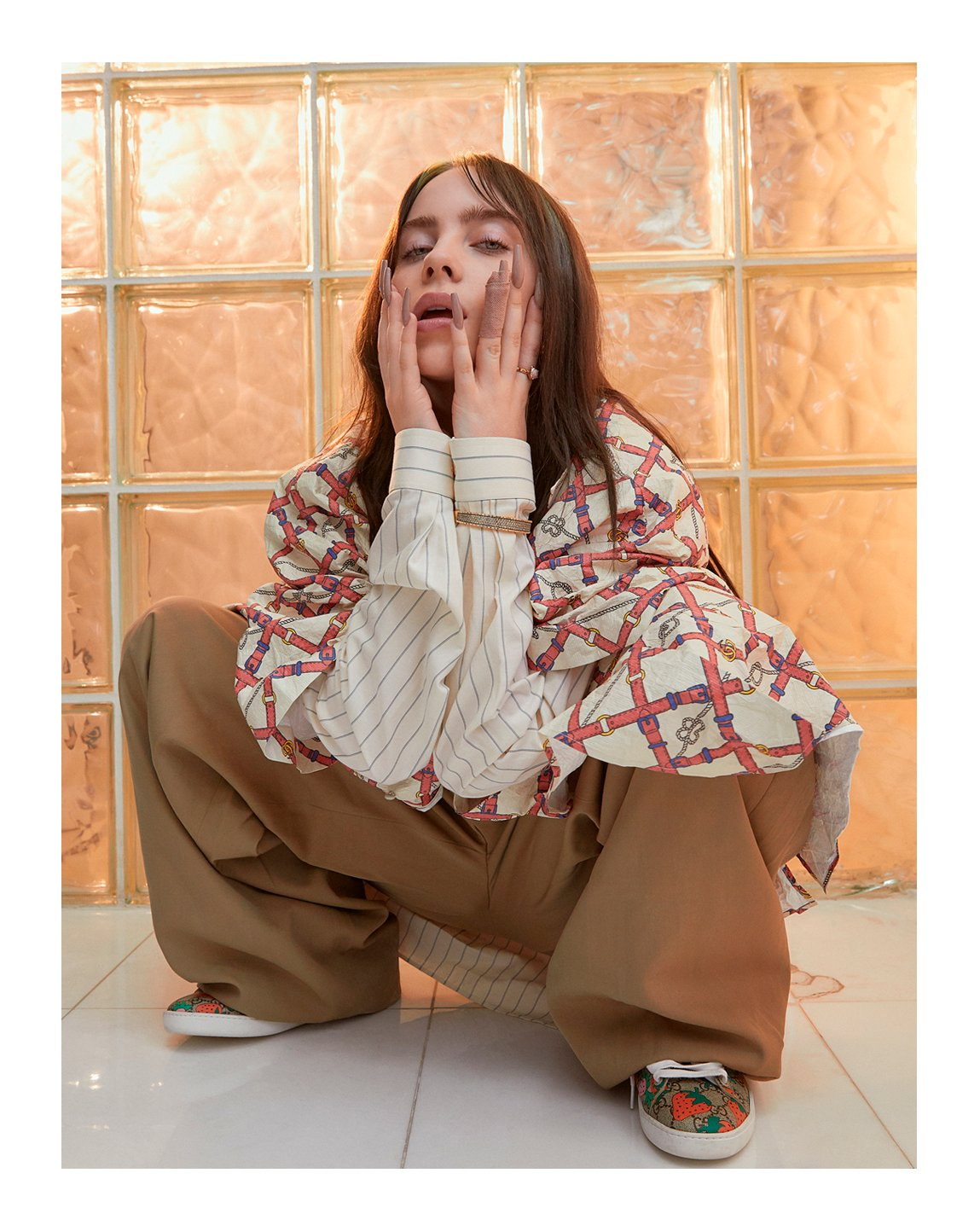 .@billieeilish features in #GraziaChina 's September issue wearing an oversize printed shirt, wool pants and #GucciAce sneakers from #GucciFW19 by #AlessandroMichele #GucciEditorials Photography by: #JohnJayDavison Styling by: #DaniellehHawkins https://t.co/HEFmhcDCM3