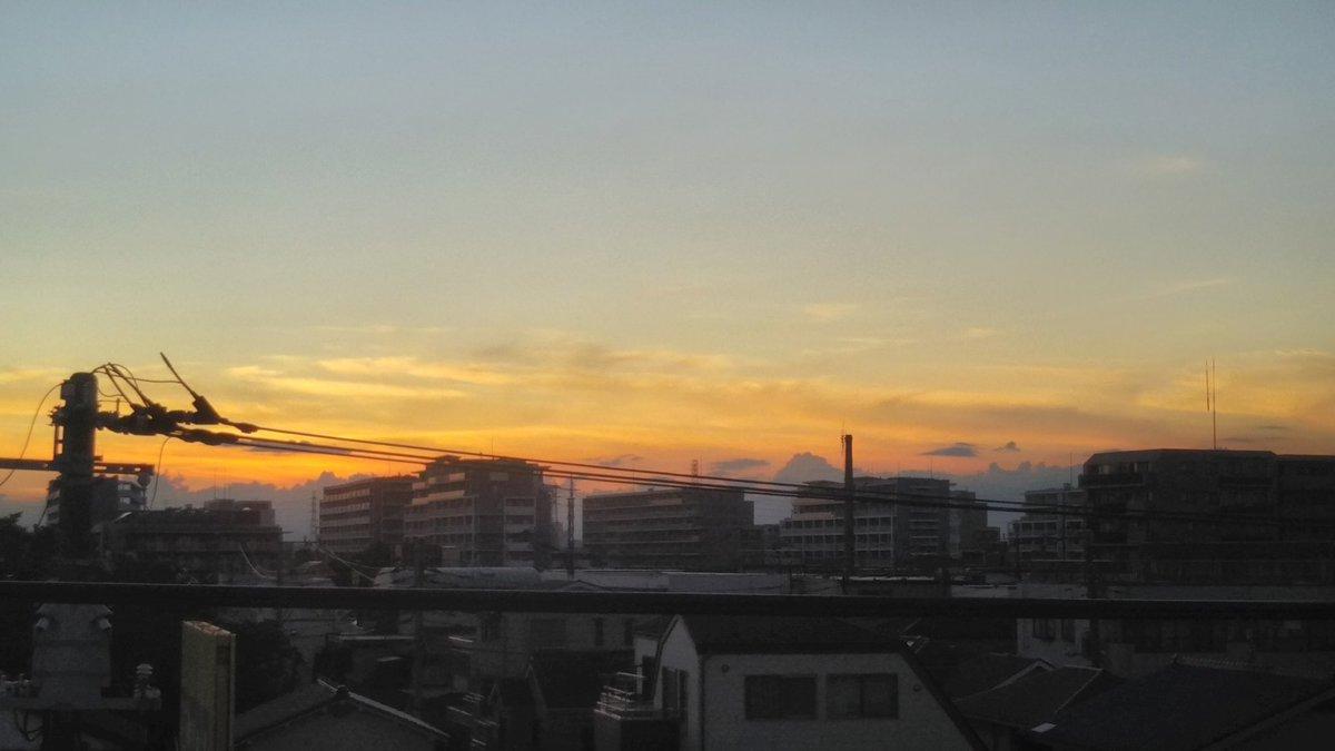 test ツイッターメディア - 2019 9/6 18:03 足立区の自宅アパートから定点観測  陽が沈んだ後に 下町の銭湯の煙突をシルエットにした非常に綺麗な夕焼けが現れました  週の後半に綺麗な夕陽が現れると言われたAD星太郎君の予想ズバリでした! ありがとうございます!  #夕焼けのシティ  #シンクロのシティ  #tfmcity  #tokyofm https://t.co/HaYRKGhvus
