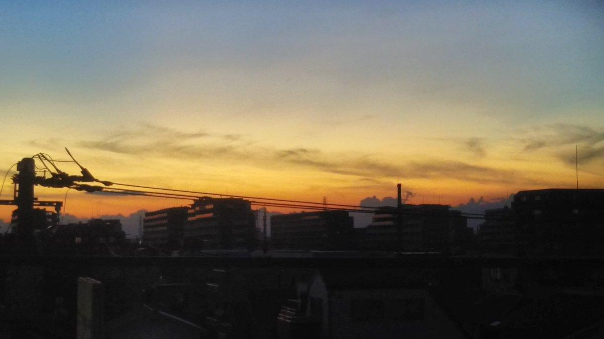 test ツイッターメディア - 2019 9/6 17:43 18:03 18:17 足立区の自宅アパートから定点観測  時間を追うに従って 下町の銭湯の煙突がシルエットになる綺麗な夕焼けが深まっていく様子が見てとれます  AD星太郎君、予想ズバリです!  #夕焼けのシティ  #シンクロのシティ  #tfmcity  #tokyofm https://t.co/pypy1lBexa