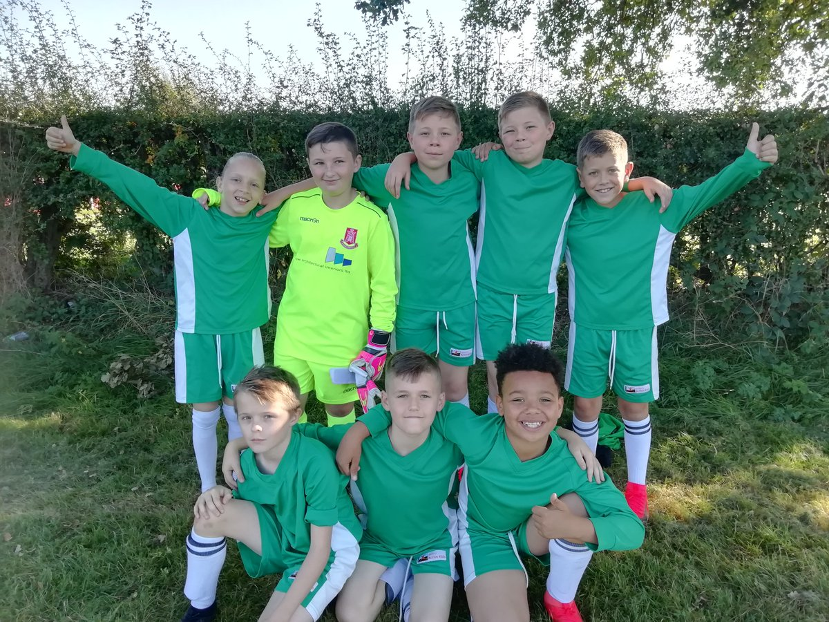test Twitter Media - It was a warm one. Boys football tournament last night. One Hollywood team had 3, 0-0 draws. The other 2 wins and 2 losses. Exciting season ahead. Thankyou Mrs Edwards for helping out. https://t.co/FGpBt4vvRN