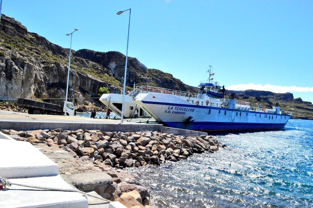 ⛴️ #MTTInforma A fin de realizar reparaciones en nave #LaTehuelche, se suspenderán temporalmente los servicios. Naviera Austral reprogramará los viajes con barcaza #LaPilchero para dar continuidad a los viajes de conectividad en el Lago General Carrera. https://t.co/CVcIXhNB0x