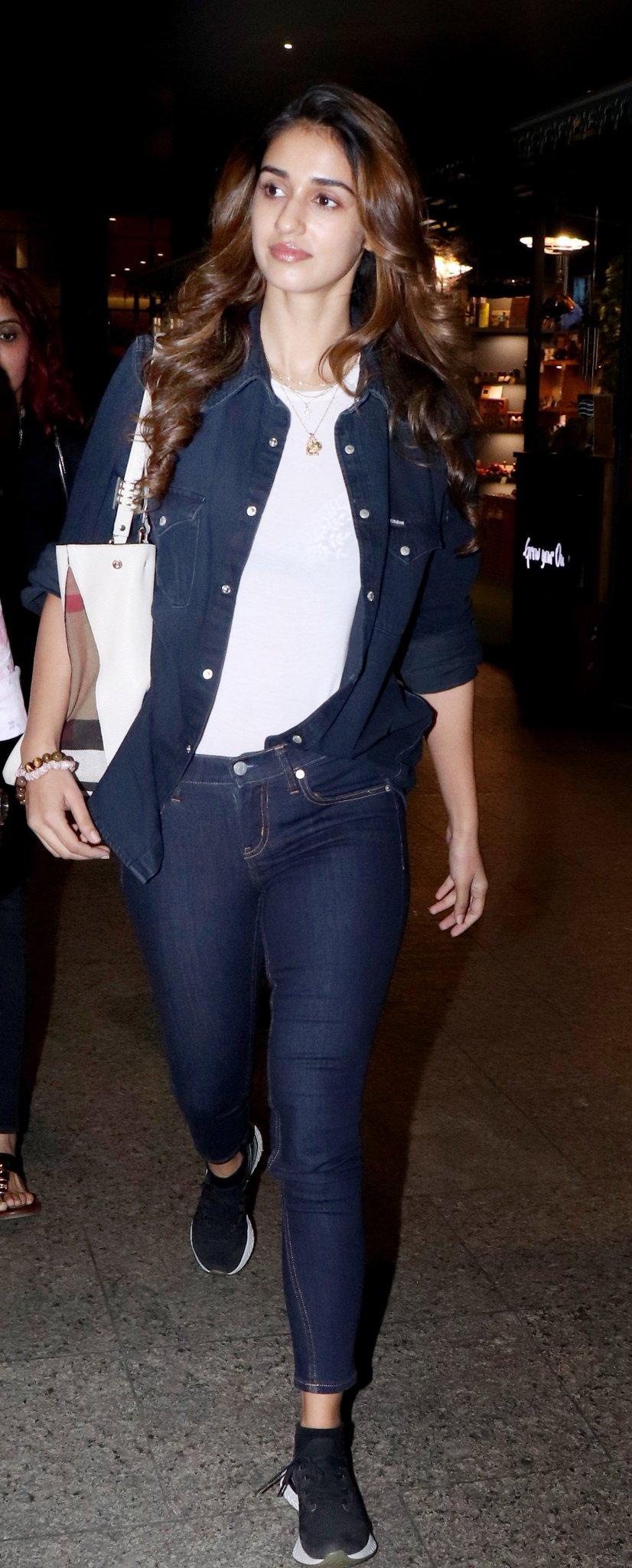 Deepika Padukone and Disha Patani are slaying their airport outfits.  #DeepikaPadukone #DishaPatani #Fashion #CelebStyle #AirportOutfit https://t.co/0R8riGCDTm